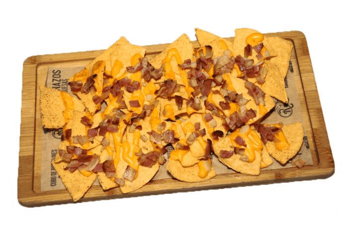 Nachos con queso cheddar- La Ramona